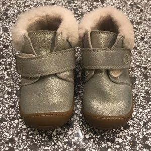UGG boots toddler size 6, so cute